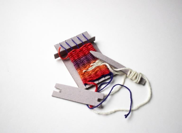 Taller de tejido en mini telar reciclado (Museo Verde)