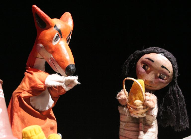Unkita y el Zorro, de  la Compañía El Pez Soñado (Teatro de Títeres)