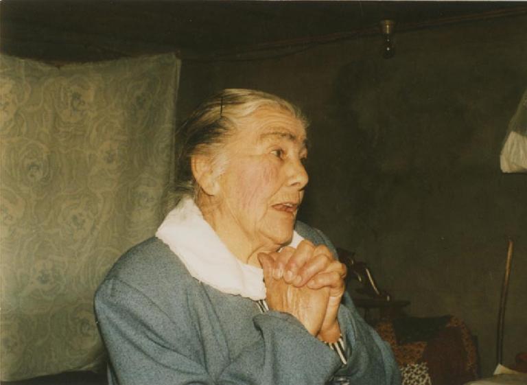 Oficios de la mujer campesina junto a Patricia Chavarría: Santiguadoras y rezadoras