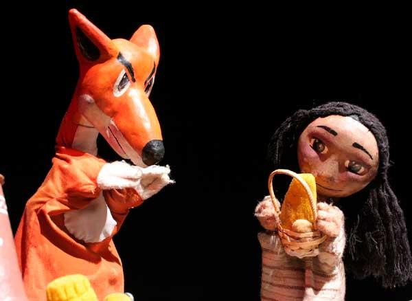 #VioletaEnCasa presentó la obra Unkita y el Zorro, de la Compañía El Pez Soñado (Teatro de Títeres)