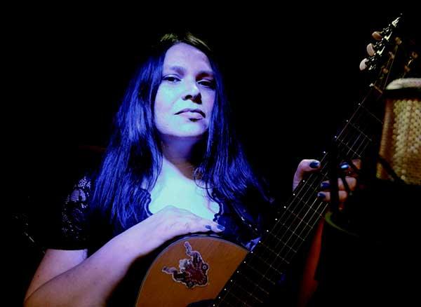 #VioletaEnCasa presentó a Vilú en concierto