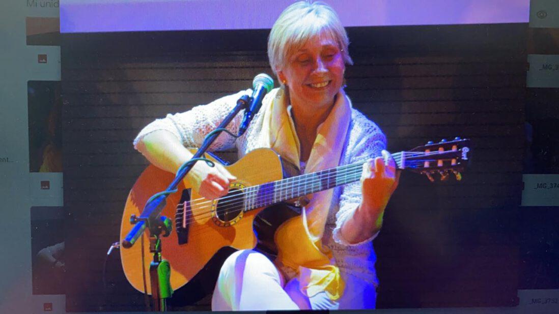 """#VioletaEnCasa presenta la Conferencia del Foro Latinoamericano de Educadores de Música- Sección Chile (FLADEM) """"A jugar y rquetejugar con la Educación Musical"""""""