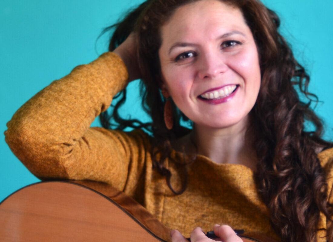 #VioletaEnCasa presentó a Andrea Andreu en concierto