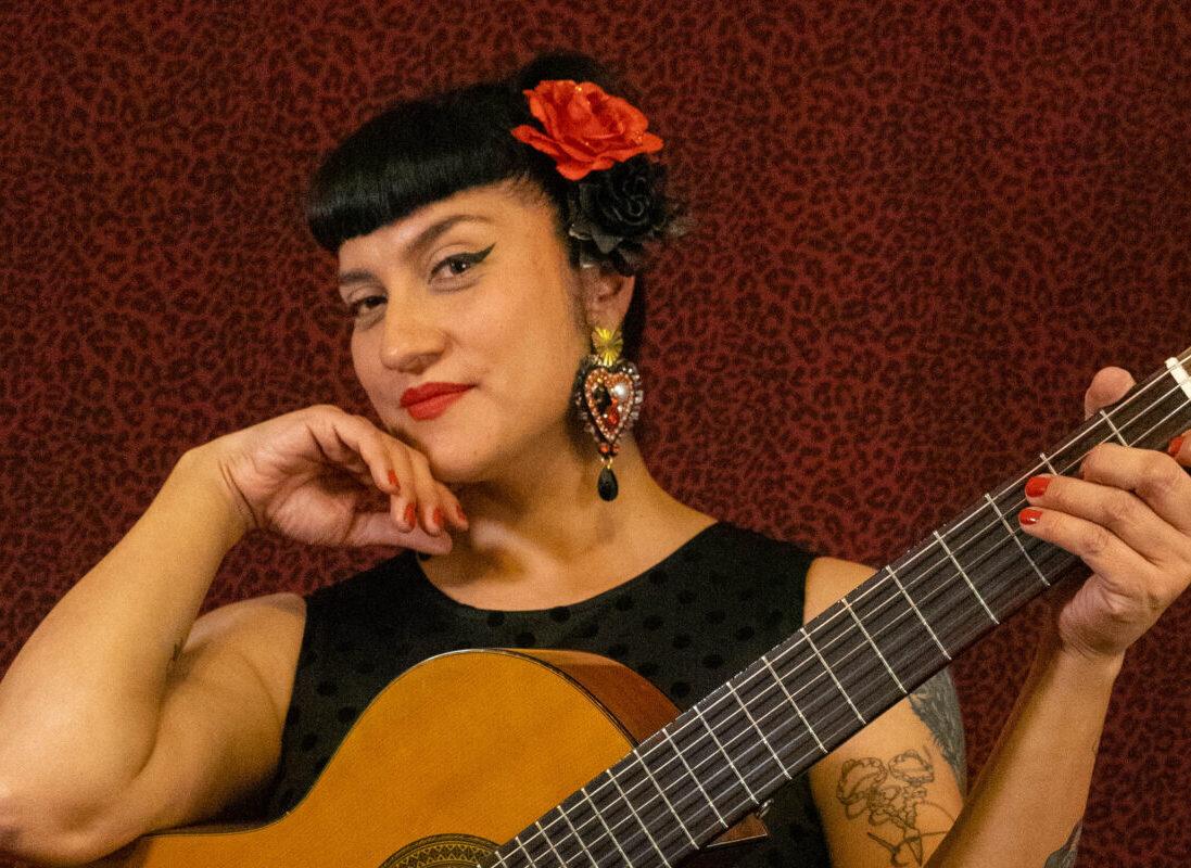 #VioletaEnCasa presentó a La Joya en concierto
